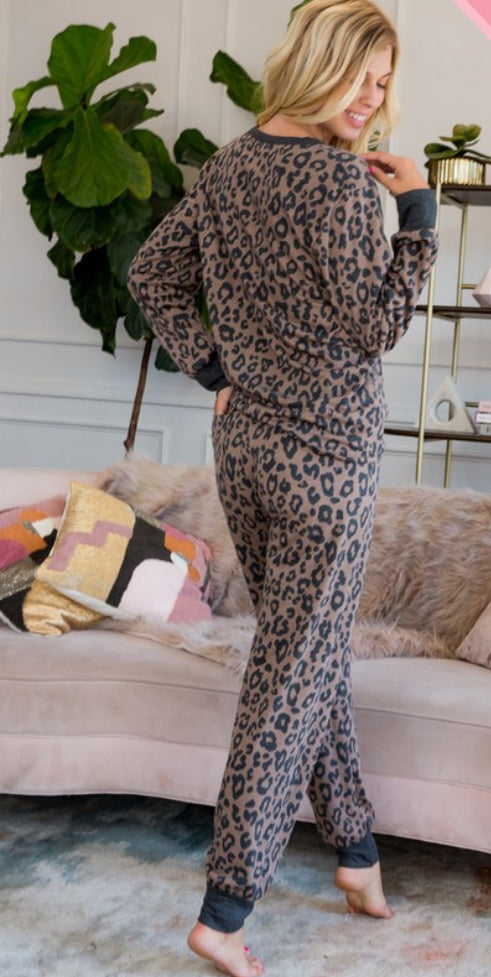Sweet Lovely Leopard Lounge Long Sleeve