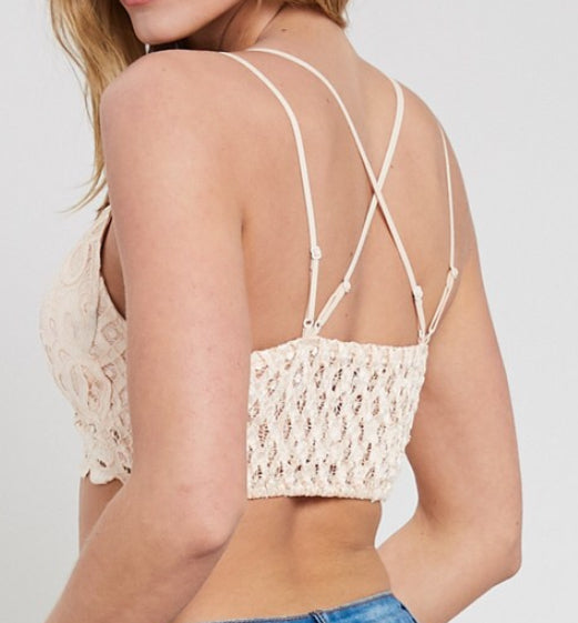 Scalloped Lace Bralette In Wine