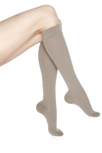 Mediven Rejuva CoolMax, Knee High, Closed Toe
