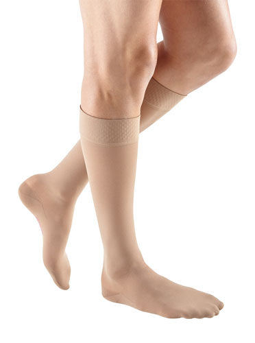 Mediven Plus, 20-30 mmHg, Knee High, Silicone Top Band, Closed Toe