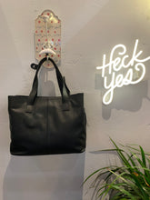 Ilse Mini Tote Black/Tiger