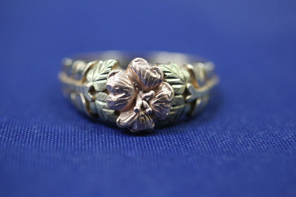 10k Tri Color Black Hills Gold Coleman Co CCO Flower Ring Band - Sz 10.75