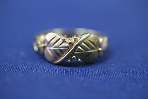 10k Tri Color Black Hills Gold Coleman Co CCO Leaf Leaves Ring Band - Sz ~10