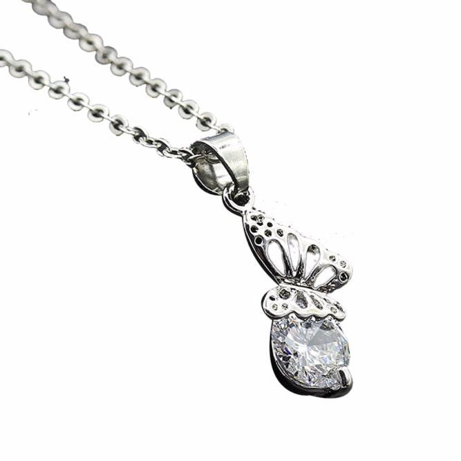 Women Diamond Butterfly Pendant Necklace Chain Necklace Jewelry  - handwristband