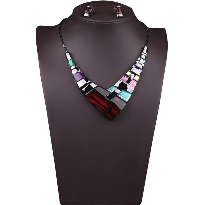 Women Multiple Splice Alloy Resin Necklace  - handwristband