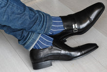 Classic ribbed socks for men, blue with grey vertical stripes, matching denim jeans