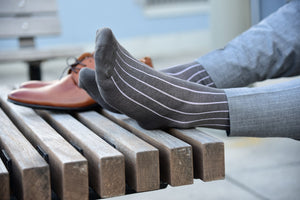 Classic vertical striped socks for men, dark grey with subtle purple stripes