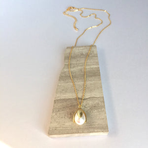 Single Pearl Tulip drop / Gold chain necklace