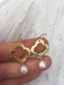 Brushed Quatrefoil Earrings — Pearl, gold