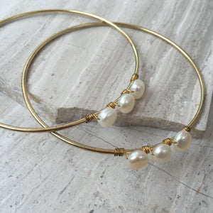 White Pearl — Gold Bangle Bracelet