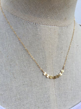 Delicate Dot Necklace Gold