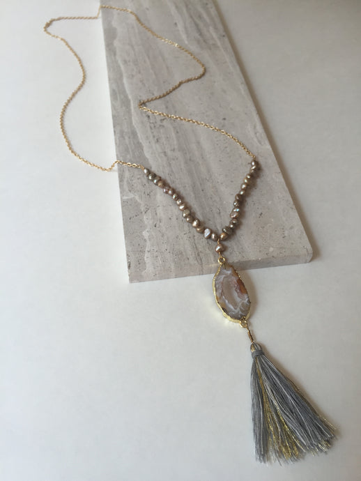Geode Tassel Necklace long, gold