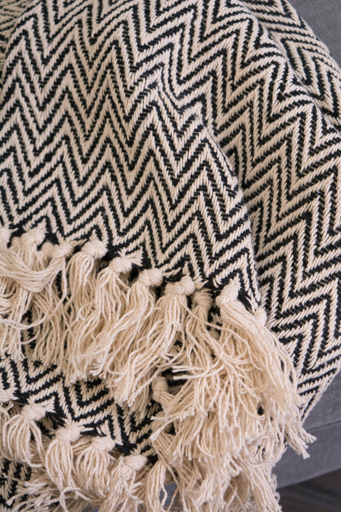 DII Black Handloom Chevron Throw