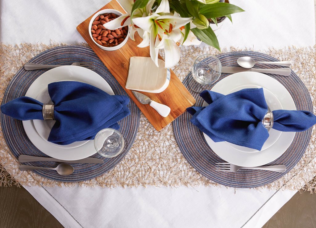 DII Variegated Blue Round Polypropylene Woven Placemat (Set of 6)