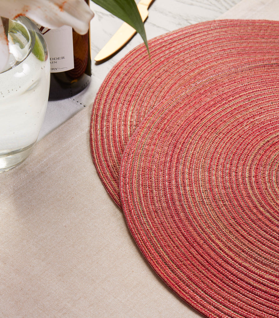DII Variegated Red Round Polypropylene Woven Placemat (Set of 6)