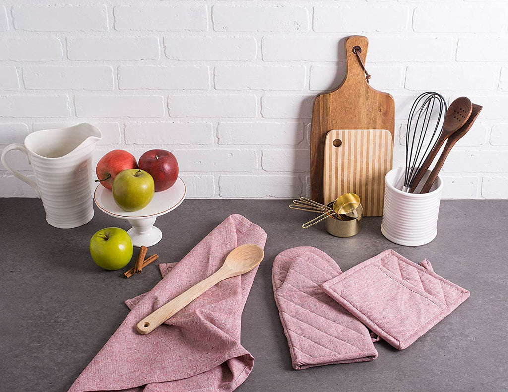 DII Barn Red Solid Chambray Oven Mitt (Set of 2)