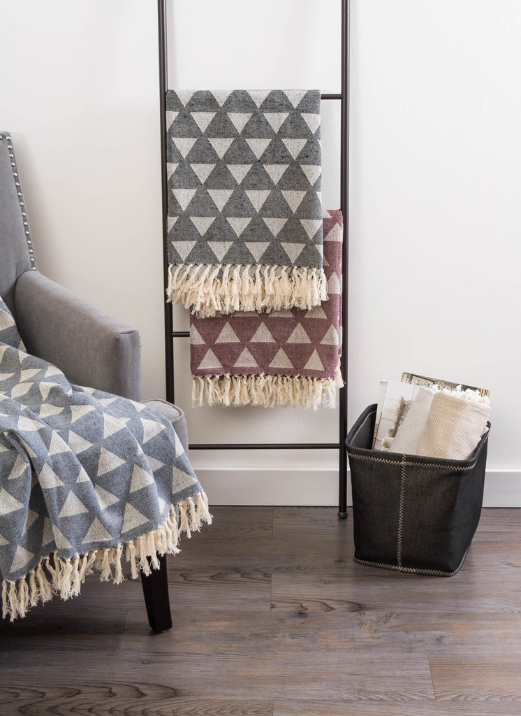 DII Triangle Throw Black