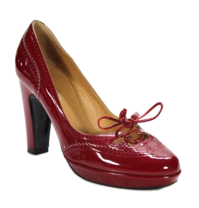 Hermes Red Brogue Perforated Patent Leather Classic Pumps Size 38 8