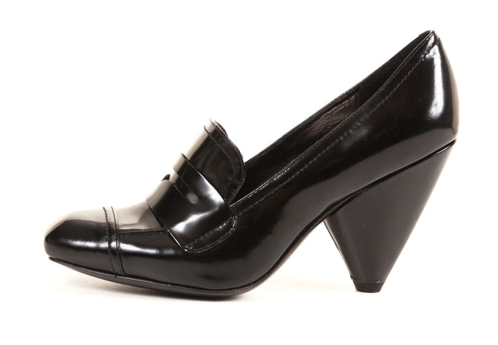Vince Camuto Women's Black Leather Patent Shoes SZ 6 M