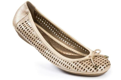 Me Too Farrah Natural Gold Laser-cut Leather Flats Size 6.5