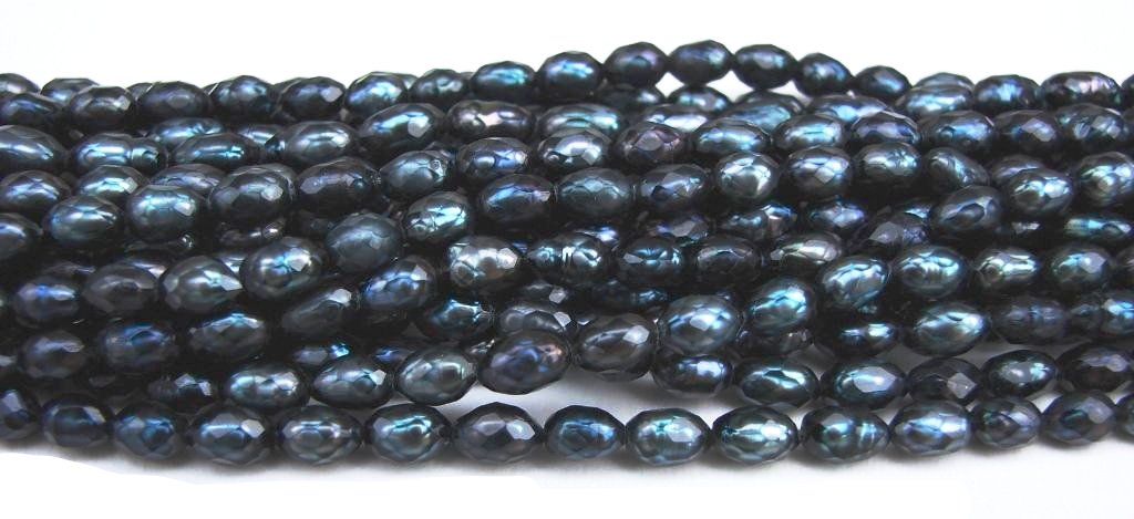 Midnight Blue Faceted Oval Rice Pearls 16