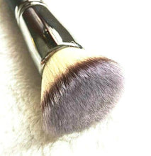 IT Cosmetics Heavenly Luxe Flat Top Buffing Foundation Brush