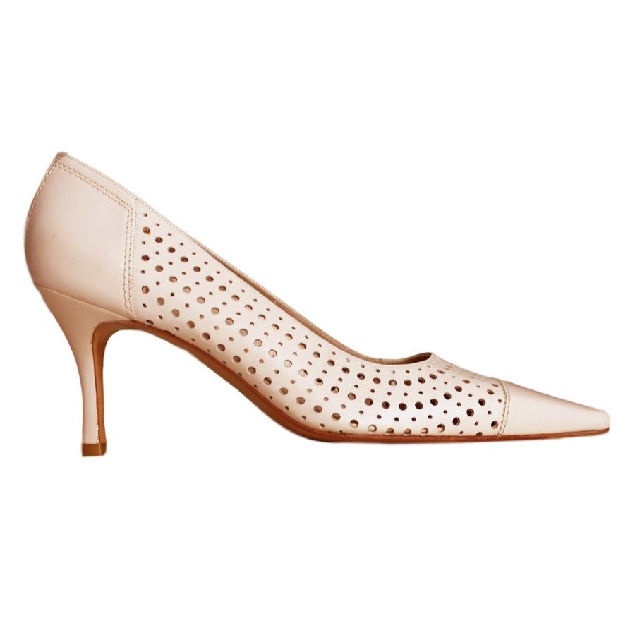 Auth. STUART WEITZMAN Piccadilly Beige Perforated Leather Pump Shoes 10M $345