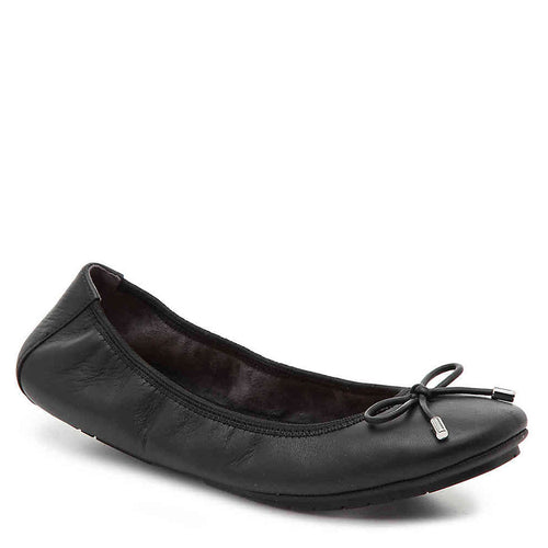 Me Too Halle Black Leather Flats Size 7.5