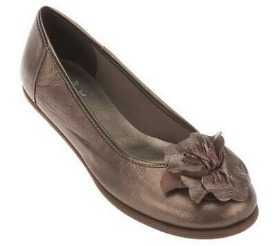 Clarks Book End Leather Flats | Size 8 Wide
