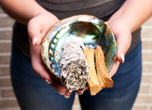 The Complete Guide to Smudging