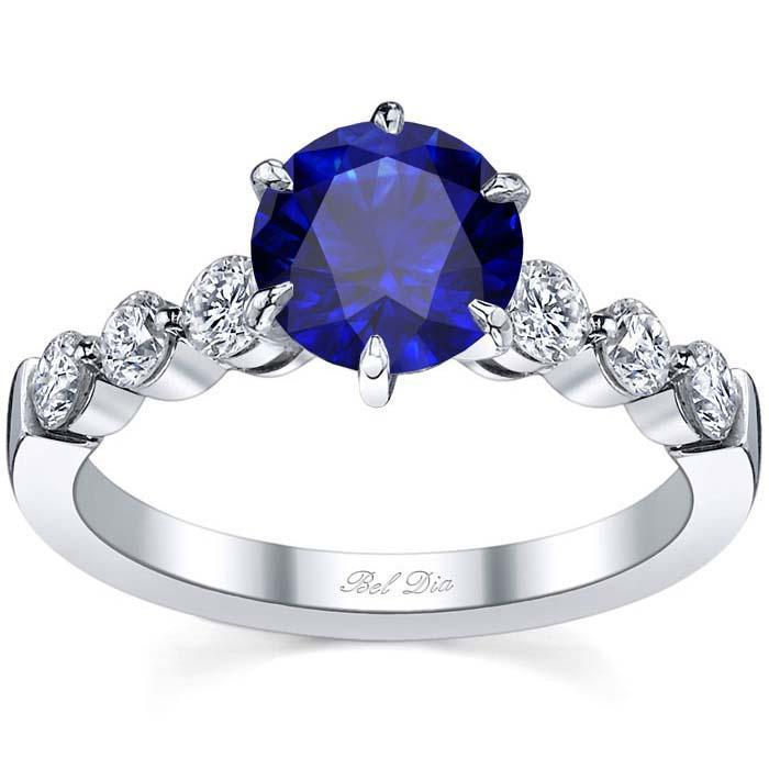 Engagement Ring with Round Blue Sapphire Sapphire Engagement Rings deBebians