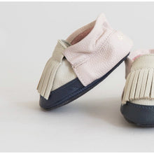 Load image into Gallery viewer, Colorblock Fringe Moccasins