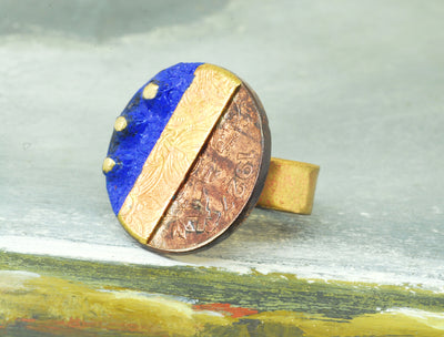 blue pesetas ring