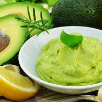avocado_basil_lemon_guacamole_spread_pic