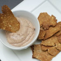 black_bean_dip_flax_crackers_vegan_recipe_health_pic