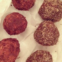 chocolate_nut_butter_protein_balls_chia_cocoa_vegan_recipe_pic