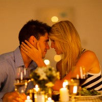 dinner_couple_candlelight_wine_candles_love_romance_private_pic