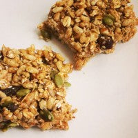 energy_bars_homemade_healthy_seeds_nuts_fruit_pic