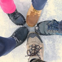 family_snow_hike_outdoors_fun_exercise_active_pic