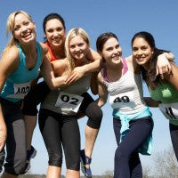 friends_women_happy_fit_active_run_race_outside_nature_pic