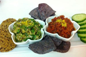 guacamole_tomato_pesto_chipes_multigrain_cucumbe_pic