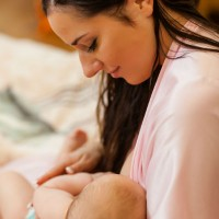 mom_baby_food_breastfeed_milk_bond_healthy_pic