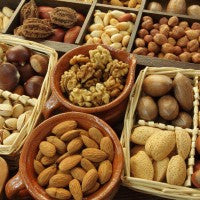 nuts_raw_healthy_yummy_fats_nutrition_pic