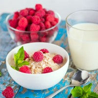 raspberries_oat_bowl_spoon_pic