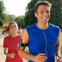 running_music_headphones_couple_afternoon_nature_pic
