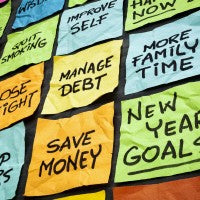 sticky_notes_new_year_resolutions_goals_health_finance_family_pic