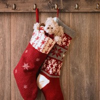 stockings_christmas_presents_bear_toys_pic