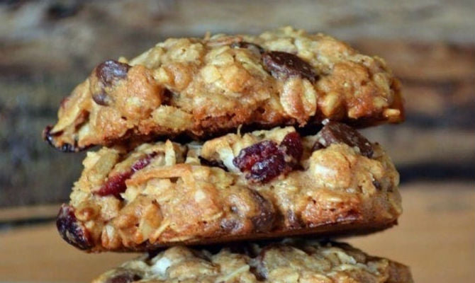 high-protein-trail-mix-cookies