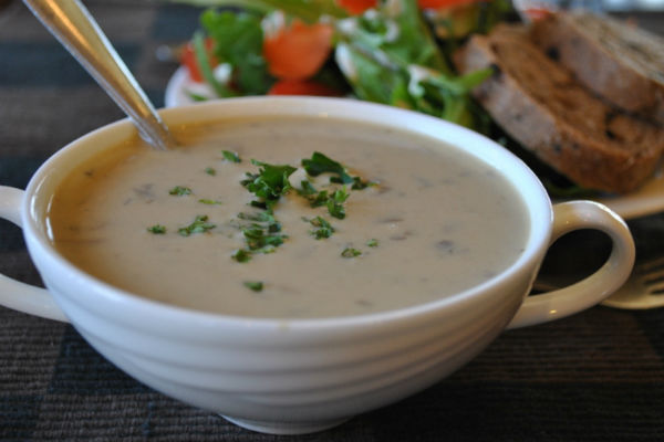 vegan_cream_of_mushroom_soup_recipe_pic