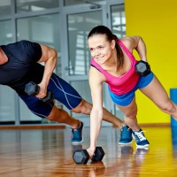 weights_training_exercise_man_woman_hiit_pic